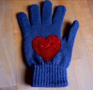 Cute gloves idea ! All you need is 5 minutes