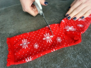 DIY Mug Cozy  Upcycle your Christmas socks