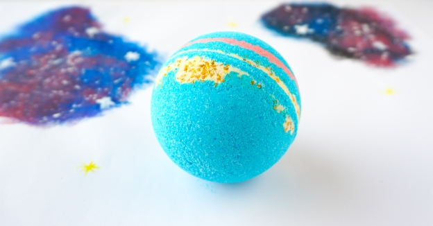 How to make your own Intergalactic Bath Bombs | DIY by The Makeup Dummy